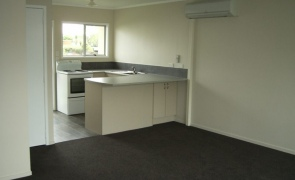 Refurbished 2 bedroom unit in Kihikihi